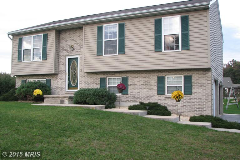 380 Valley Dr, Fayetteville, PA 17222