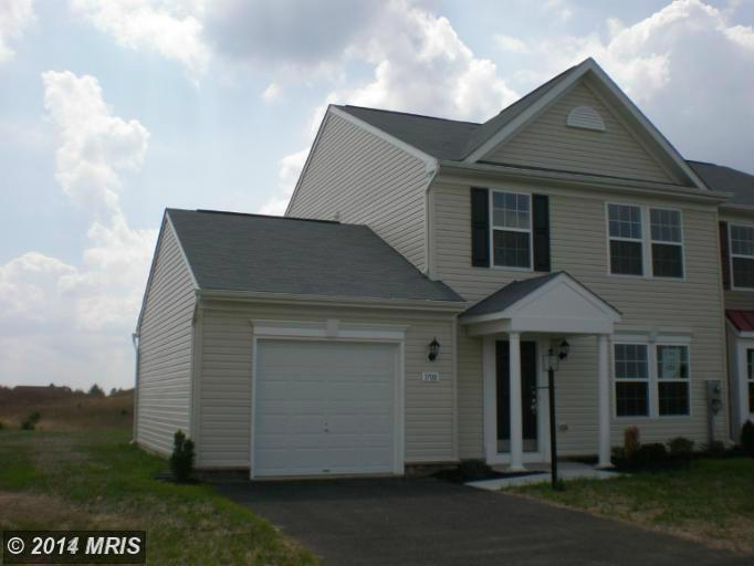 3698 Rolling Hills Dr, Greencastle, PA 17225