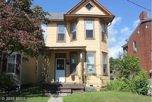 136 N Potomac St, Waynesboro, PA 17268