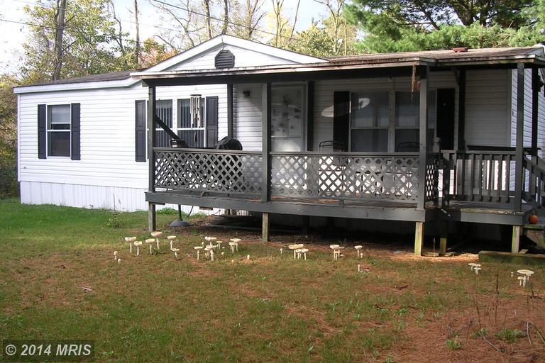 1743 White Pine Dr, Chambersburg, PA 17202