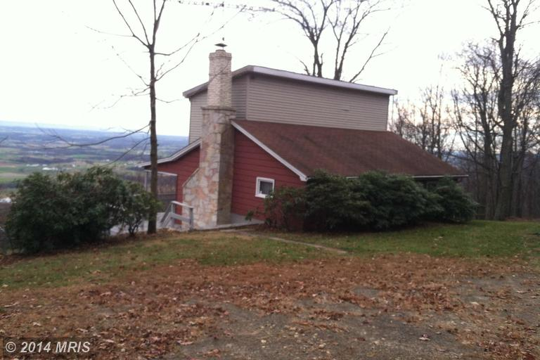 Mountain Rd, Chambersburg, PA 17202