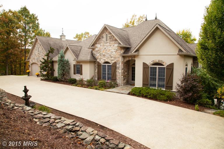 12550 Stone Crest Cir, Waynesboro, PA 17268