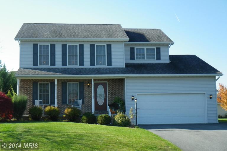 1586 Leafmore Rd, Chambersburg, PA 17202
