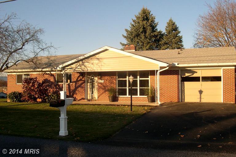 1251 Frank Rd, Chambersburg, PA 17202