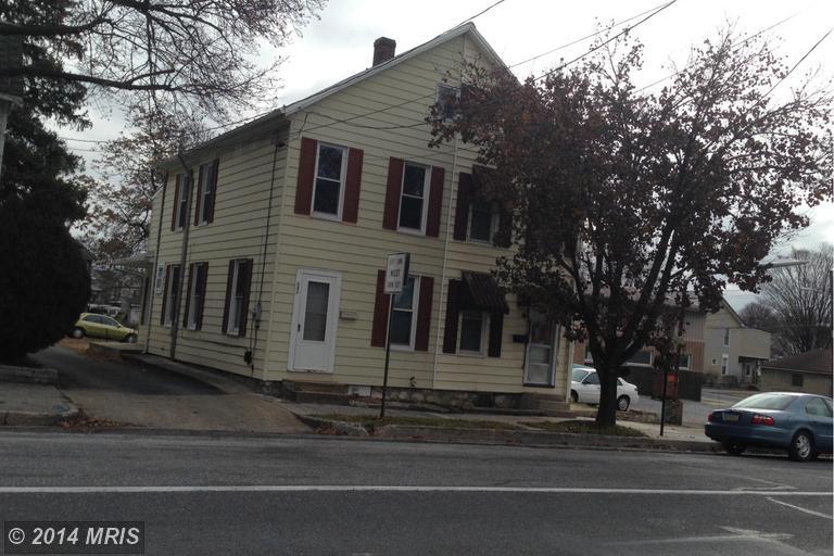 636 S Main St, Chambersburg, PA 17201