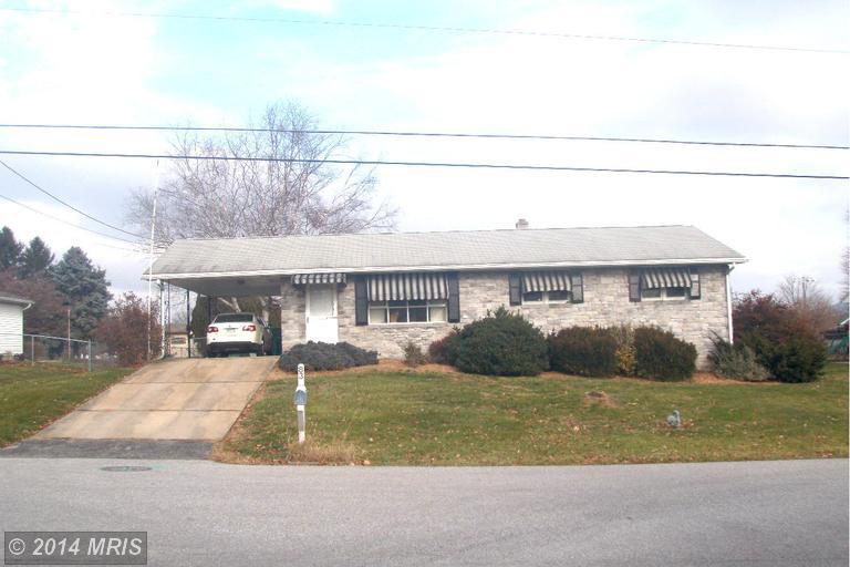 83 Sunny Ln, Chambersburg, PA 17202