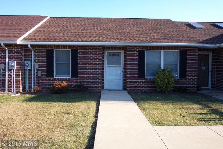 8916 Kuhn Rd, Greencastle, PA 17225