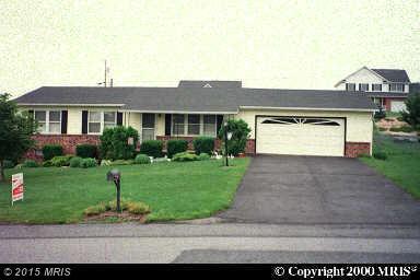 81 Maribeth Dr, Chambersburg, PA 17202