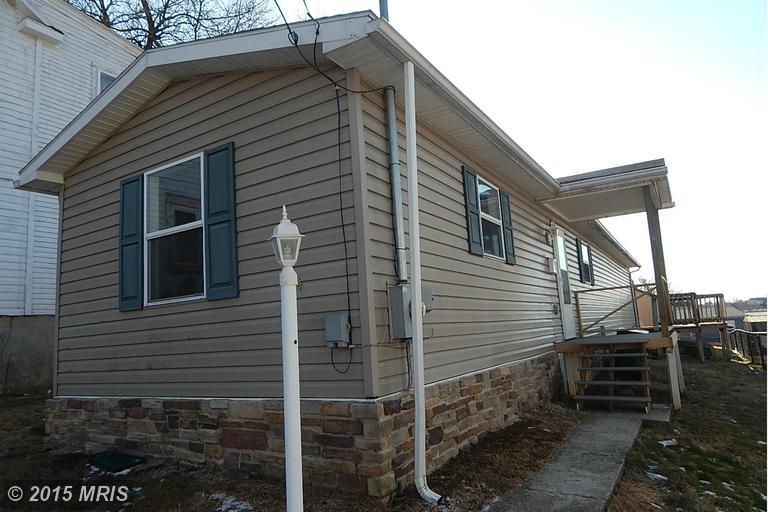 214 E North St, Waynesboro, PA 17268