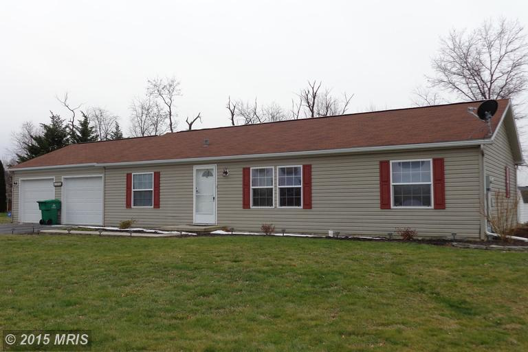 185 Durham Dr, Chambersburg, PA 17202