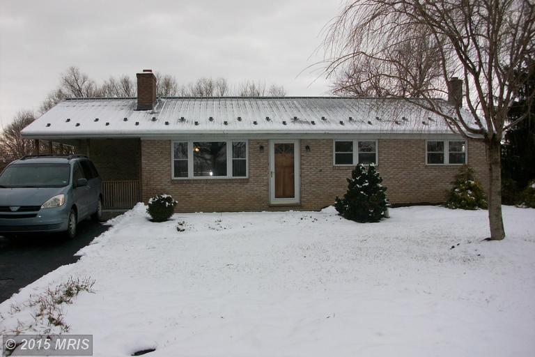 1202 Marvern Dr W, Chambersburg, PA 17202