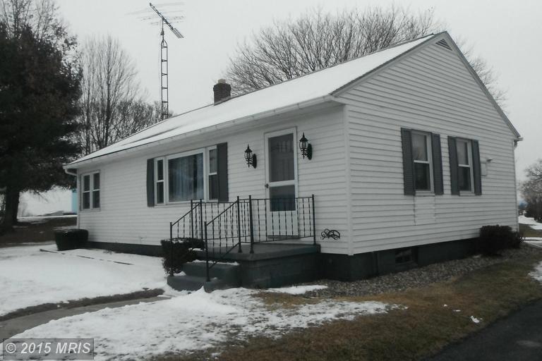494 Loudon Rd, Saint Thomas, PA 17252