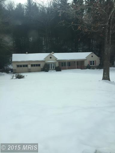 10470 Golf Course Rd, Fayetteville, PA 17222