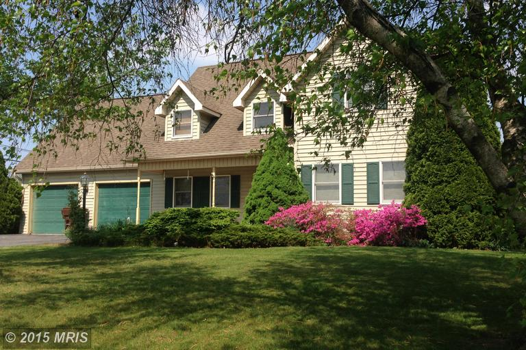 3590 Turnberry Dr, Chambersburg, PA 17202