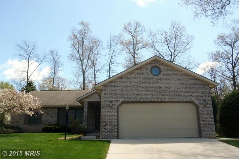 6020 Greenbriar Ter, Fayetteville, PA 17222