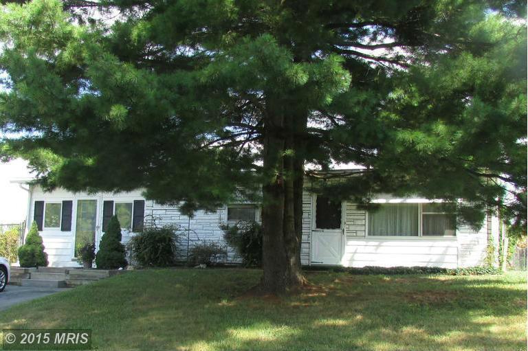 78 5th Ave, Fayetteville, PA 17222