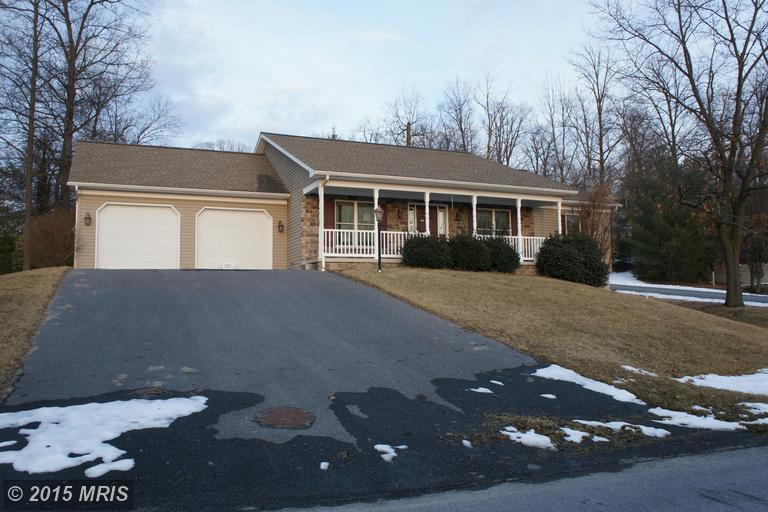 6002 Greenbriar Ter, Fayetteville, PA 17222