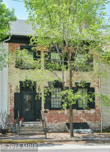 24 N Main St, Mercersburg, PA 17236