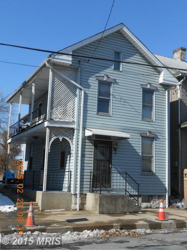 611 S Main St, Chambersburg, PA 17201