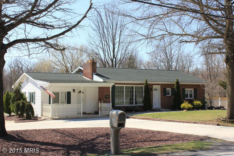 11588 Forge Hill Rd, Orrstown, PA 17244