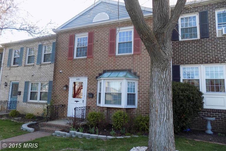 845 Woodlawn Dr, Chambersburg, PA 17201