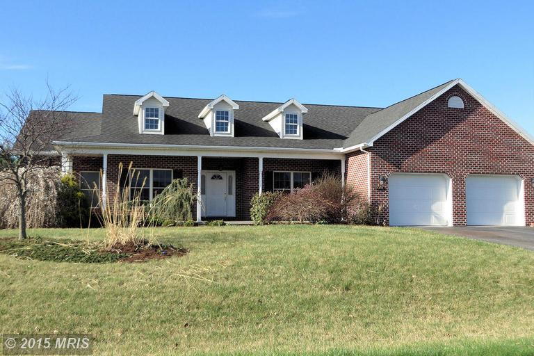 6436 Bellhurst Dr, Chambersburg, PA 17202