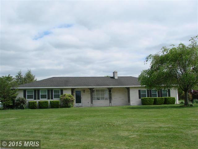 307 Moss Spring Ave, Greencastle, PA 17225