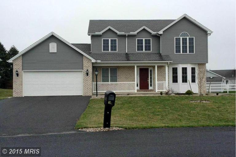 1634 Rosehill Ct, Chambersburg, PA 17202