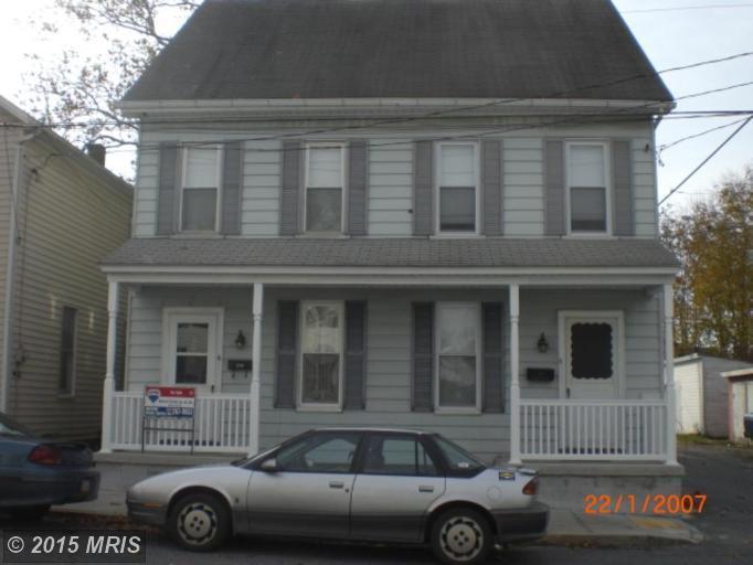 246 E Garfield St, Chambersburg, PA 17201