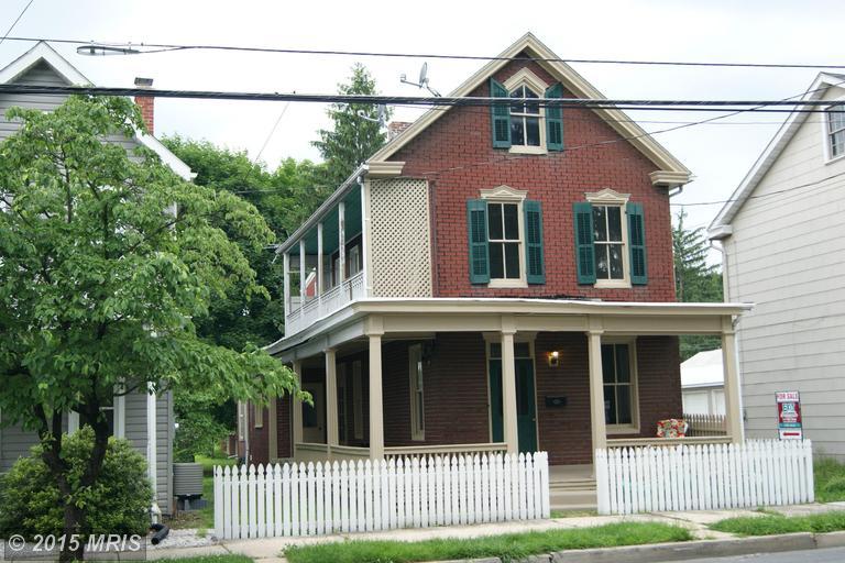 447 S 2nd St, Chambersburg, PA 17201