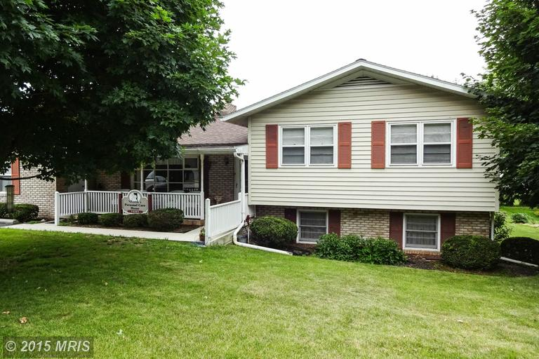 14331 Greenview Dr, Greencastle, PA 17225