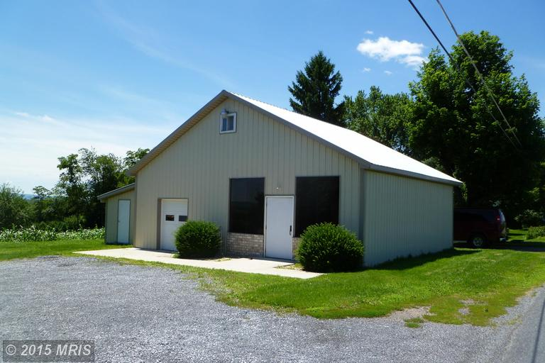 9195 Sporting Hill Rd, Orrstown, PA 17244
