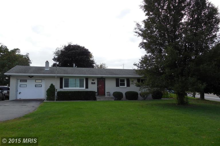 165 Williamson Ave, Greencastle, PA 17225