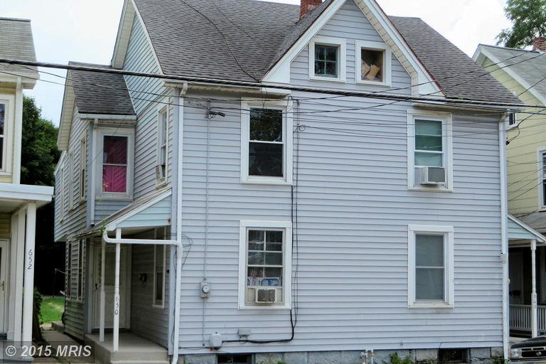 646 Broad St, Chambersburg, PA 17201