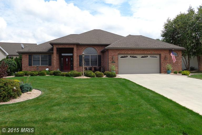 6264 Oak Leaf Ln N, Fayetteville, PA 17222