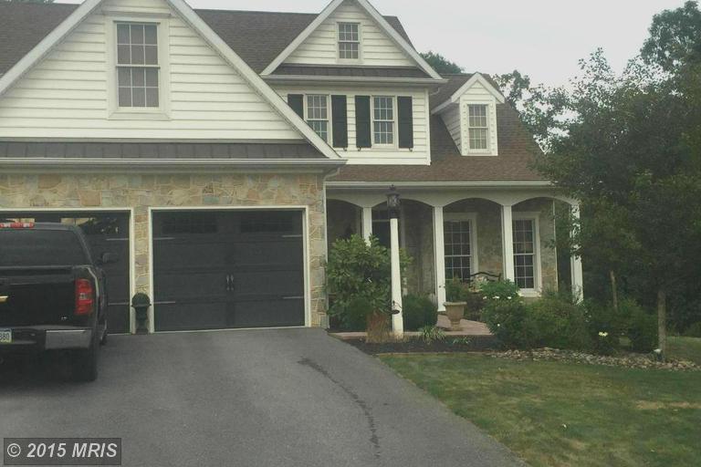 7856 Golf Vista Dr, Greencastle, PA 17225