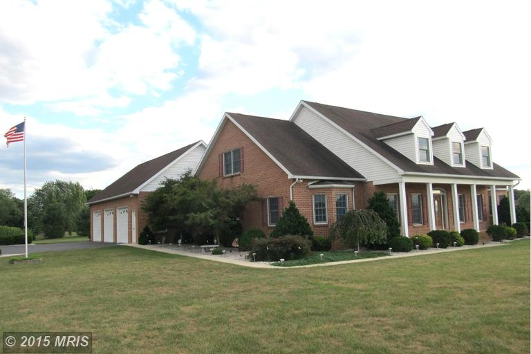 1709 Ragged Edge Rd, Chambersburg, PA 17202