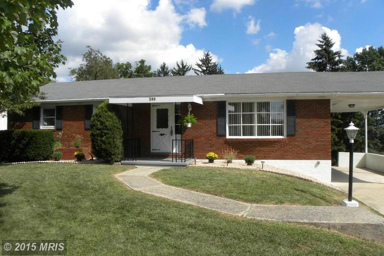 599 Lindia Dr, Chambersburg, PA 17202