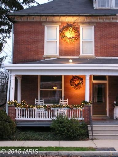 543 E King St, Chambersburg, PA 17201