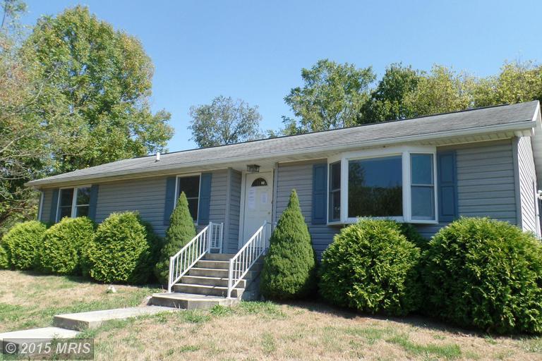 11890 Village Heights Dr, Waynesboro, PA 17268