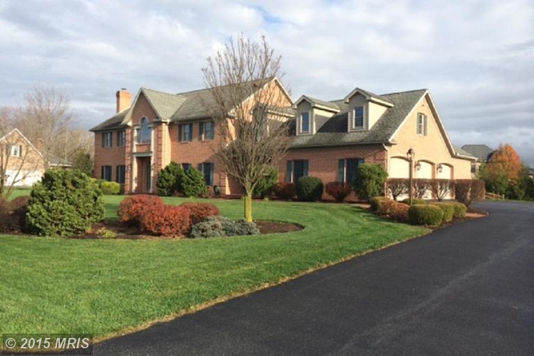 3232 Muirfield Dr, Chambersburg, PA 17202