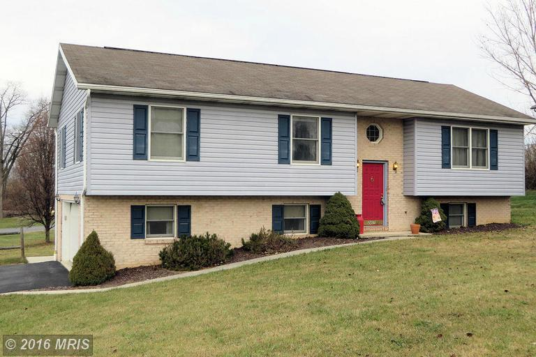 2807 Fillmore Dr, Chambersburg, PA 17201
