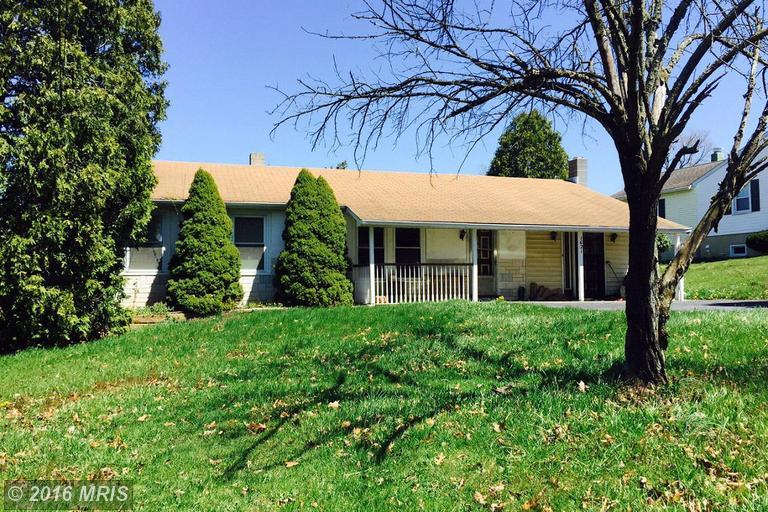 1621 Frank Rd, Chambersburg, PA 17202
