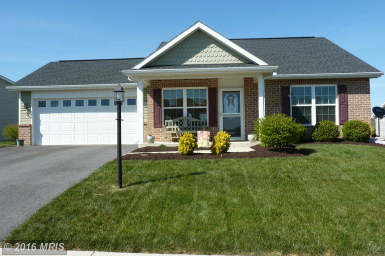 228 Park View Dr, Chambersburg, PA 17201