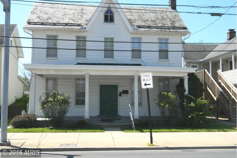 446 E Queen St, Chambersburg, PA 17201