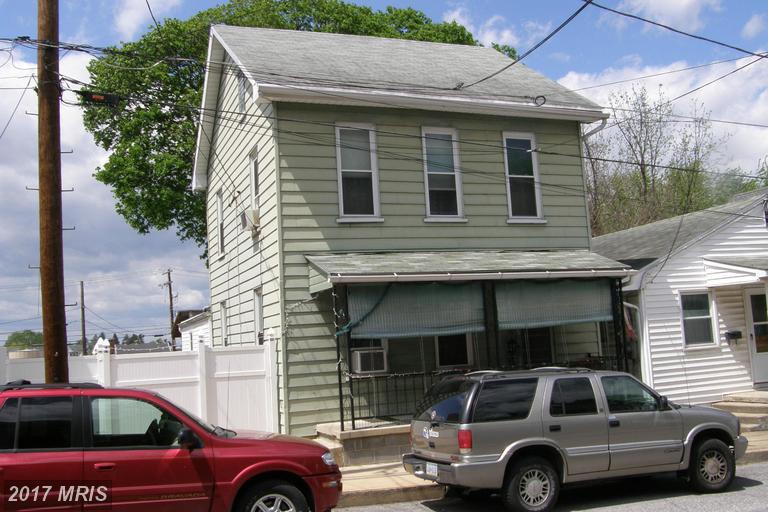 30 N Franklin St, Waynesboro, PA 17268