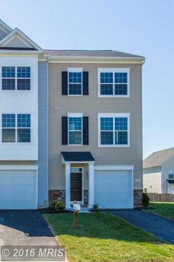 3632 Oakley Ln, Greencastle, PA 17225