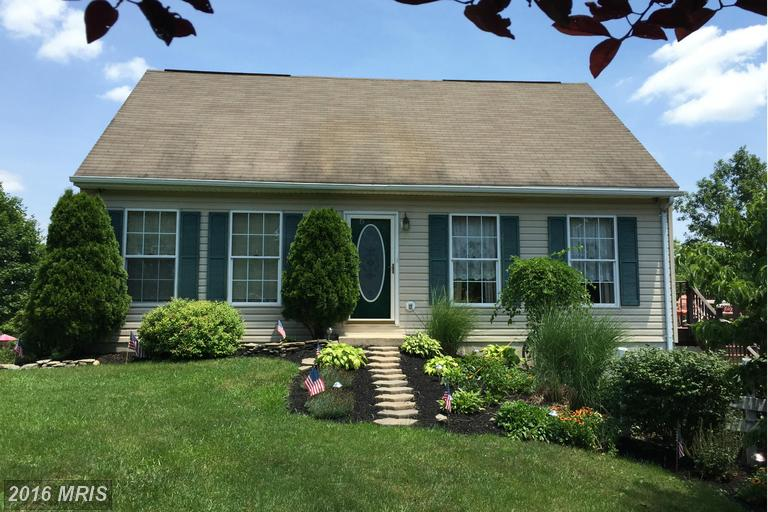 3874 Albert Ave, Greencastle, PA 17225