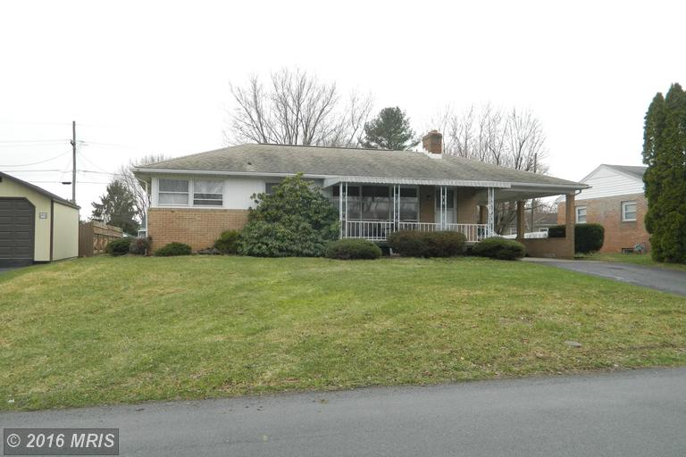 24 Lincoln Dr, Fayetteville, PA 17222