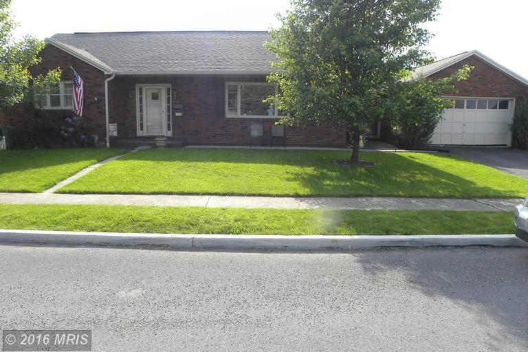 10 Steiger Ave, Mercersburg, PA 17236